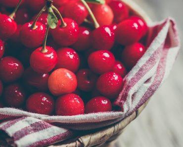 ciliegie in cesta
